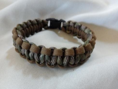 2 Tone Army Camo Paracord Bracelet: $15.00